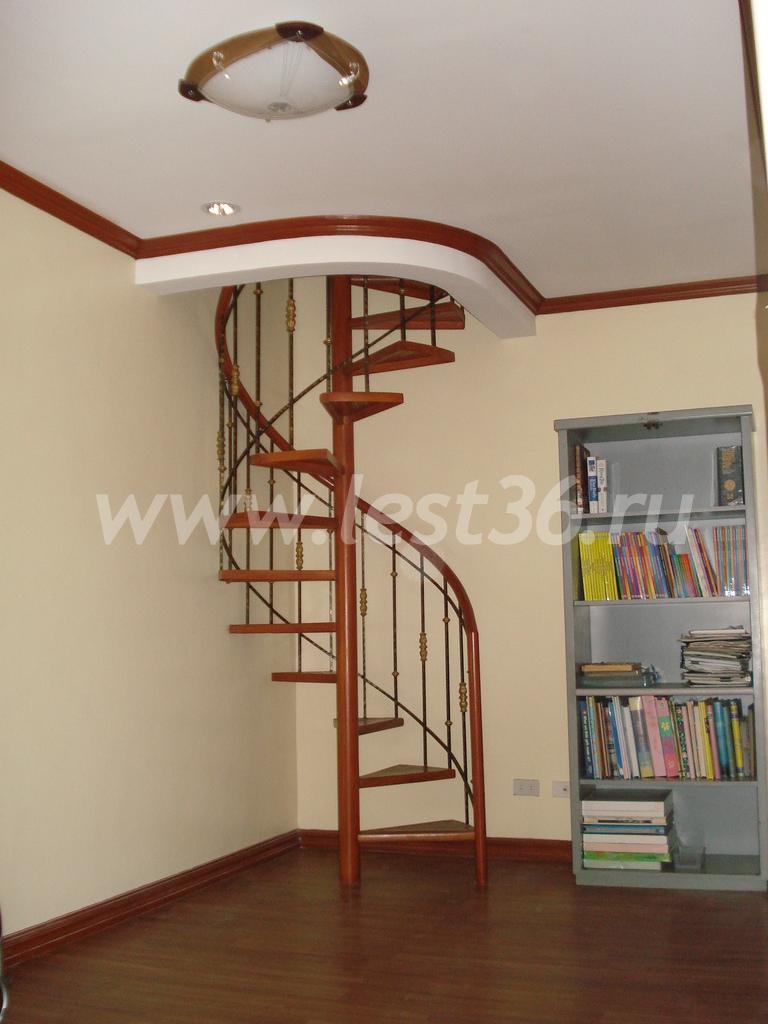 фото лестницы на мансарду